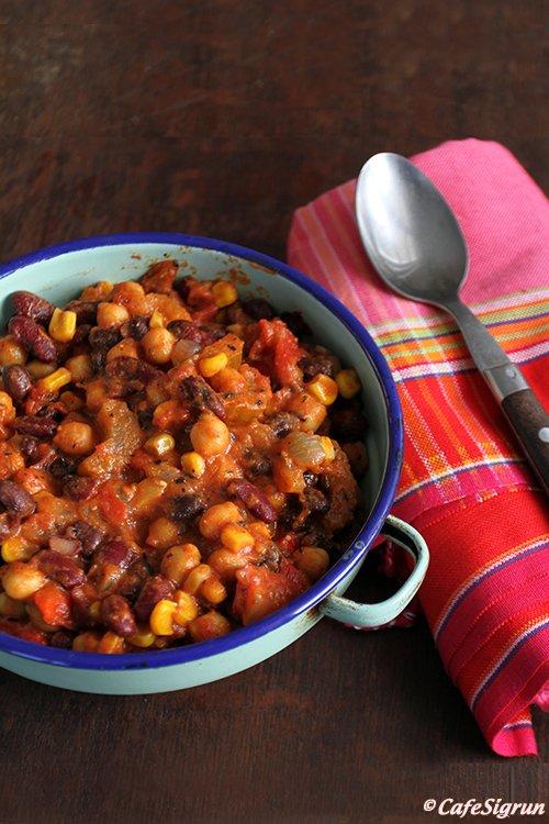Chili con elote (chili pottréttur með maískorni)