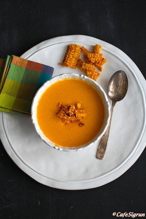 Graskerssúpa með grilluðu maískorni